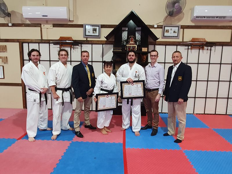 adults martial arts training in Helensvale
